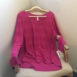 Long sleeve pink pin tuck Lularoe Lynnae